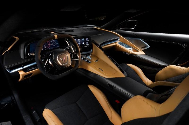 2020-Chevrolet-Corvette-Stingray-025.jpg