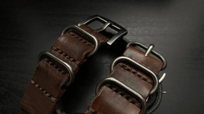 Tang Buckle Comparison for 3-Ring and 4-Ring Strap from Cozy Handmade