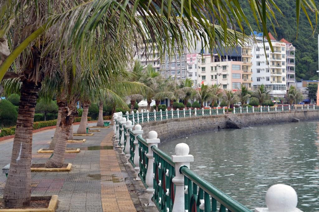Cat Ba town's wharf