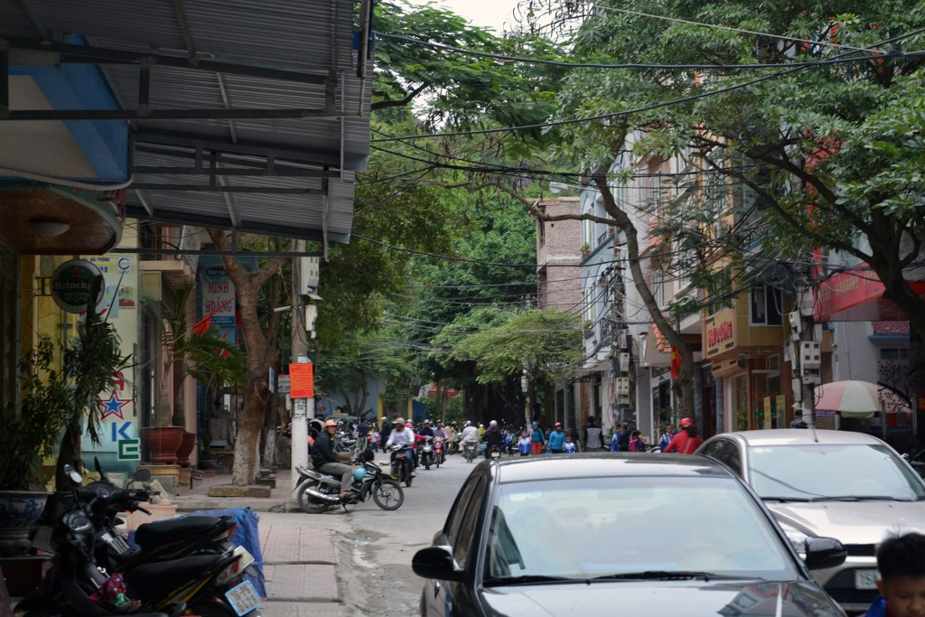 Cat Ba town streets