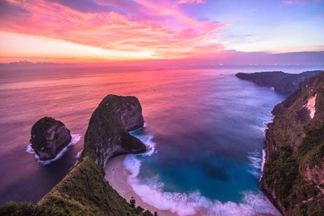 Kelingking beach sunset