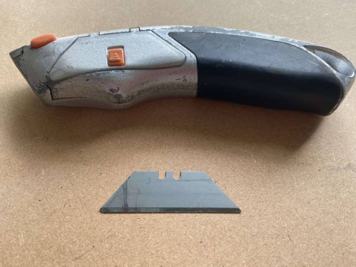 Standard Utility Knife With Steel Blade