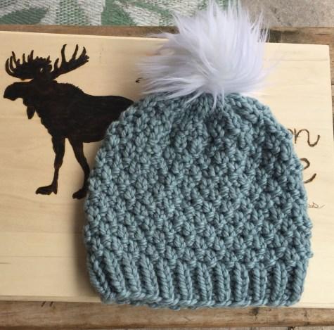 Free knitted hat pattern, seed stitch