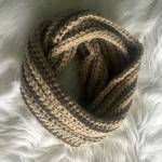 Crochet ribbed infinity scarf pattern