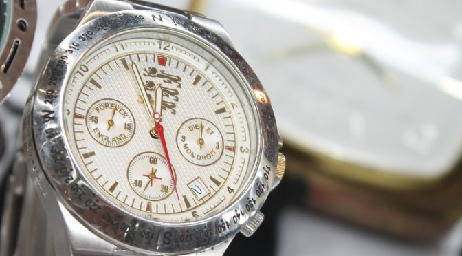 How Do You Solve a Problem Like Old Quartz Watches?