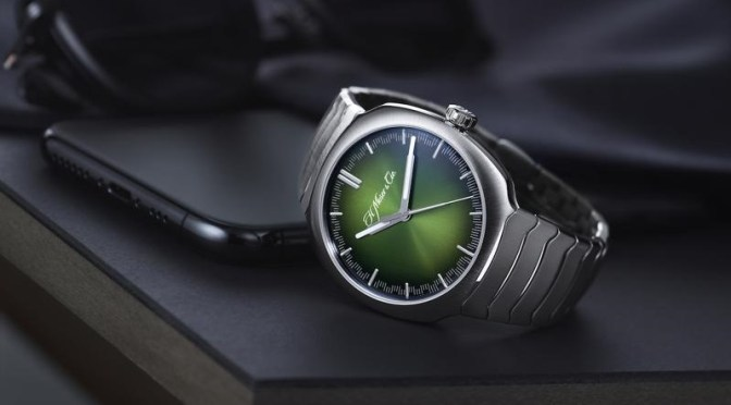 Geneva Watches: New Streamliner With Fume Green Dial