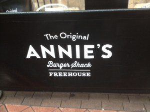 Annies Burger Shack sign