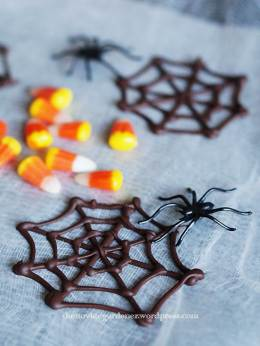 how to make chocolate cobwebs