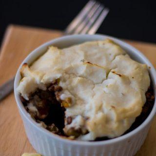 Vegan Shepherd's Pie with Cauliflower Mash | www.thenutfreevegan.net
