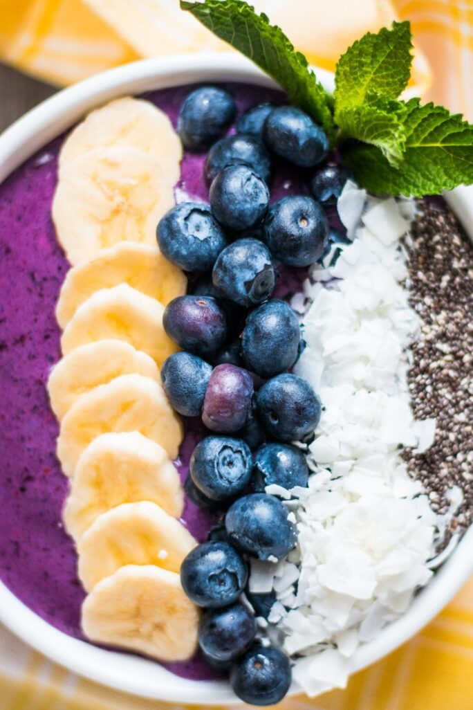 Simple delicious vegan blueberry banana smoothie bowl breakfast nutfreevegan