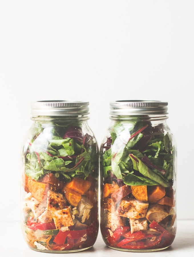 southwestern chicken mason jar salad