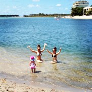 Swims with sister and niece in the Noosa river