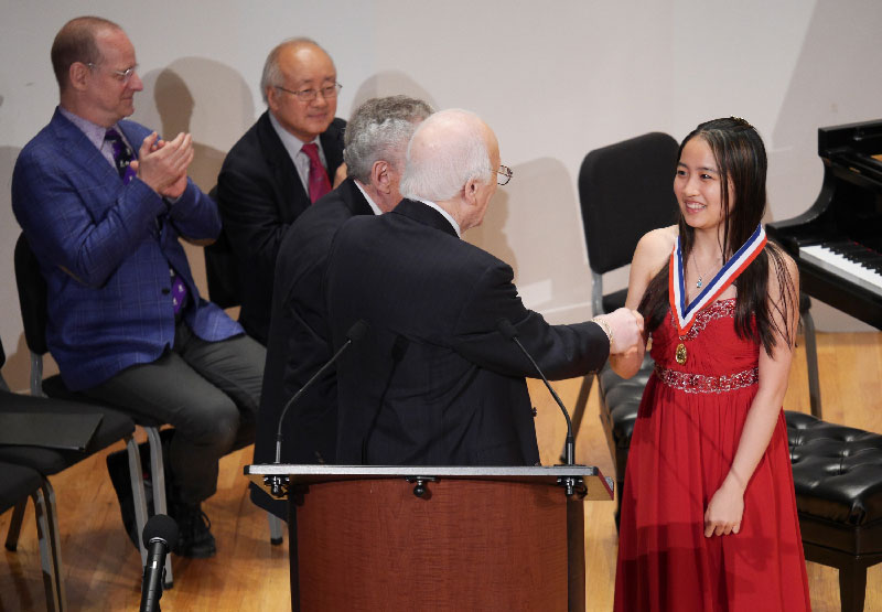 10-Congratulations-to-Fourth-Prize-Winner-Evelyn-Mo