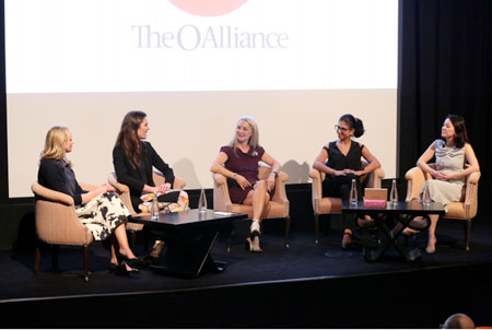 Creating a Positive Customer Experience  Online and Offline | Event: Connected Conversation