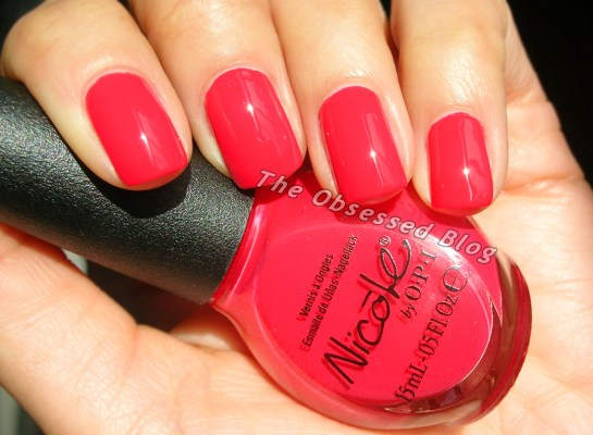 Nicole_by_OPI_PlsRedcycle_sun