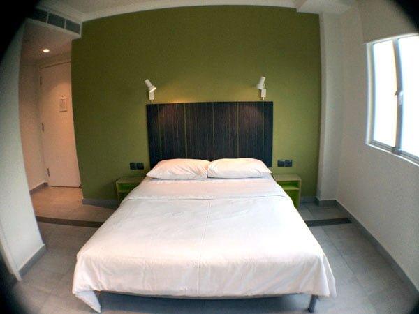 Hangout Mt Emily - Room Bed