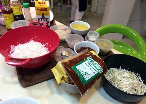 Traveling Spoon - Nyonya Laksa ingredients