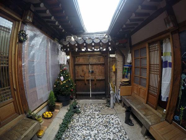 Seoul Hanok Courtyard