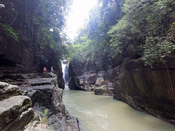 Flores Cunca Wulang Cliff Jump