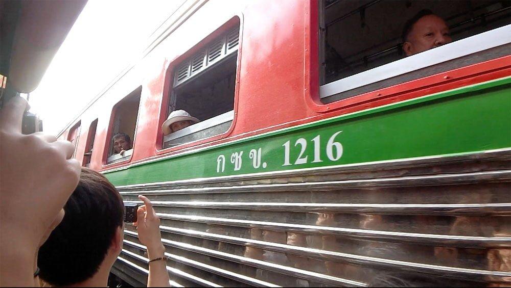 Amphawa Mae Klong Train Market Close