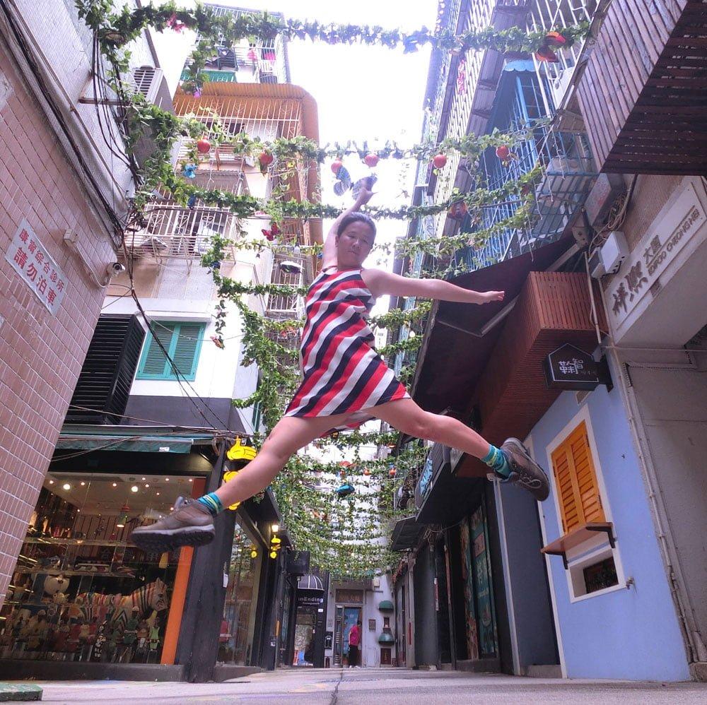 Macao Street Art Patio Chon Sau Jumpshot