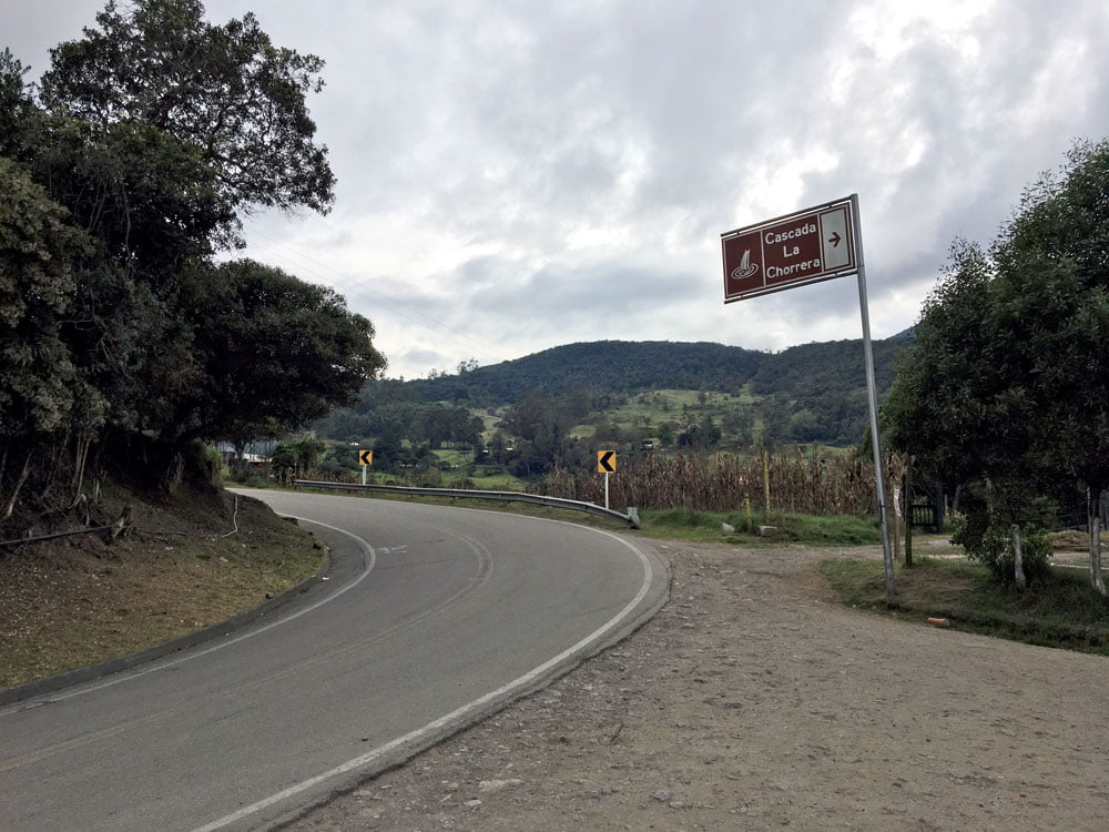 Colombia La Ca\horrera Roadside Stop