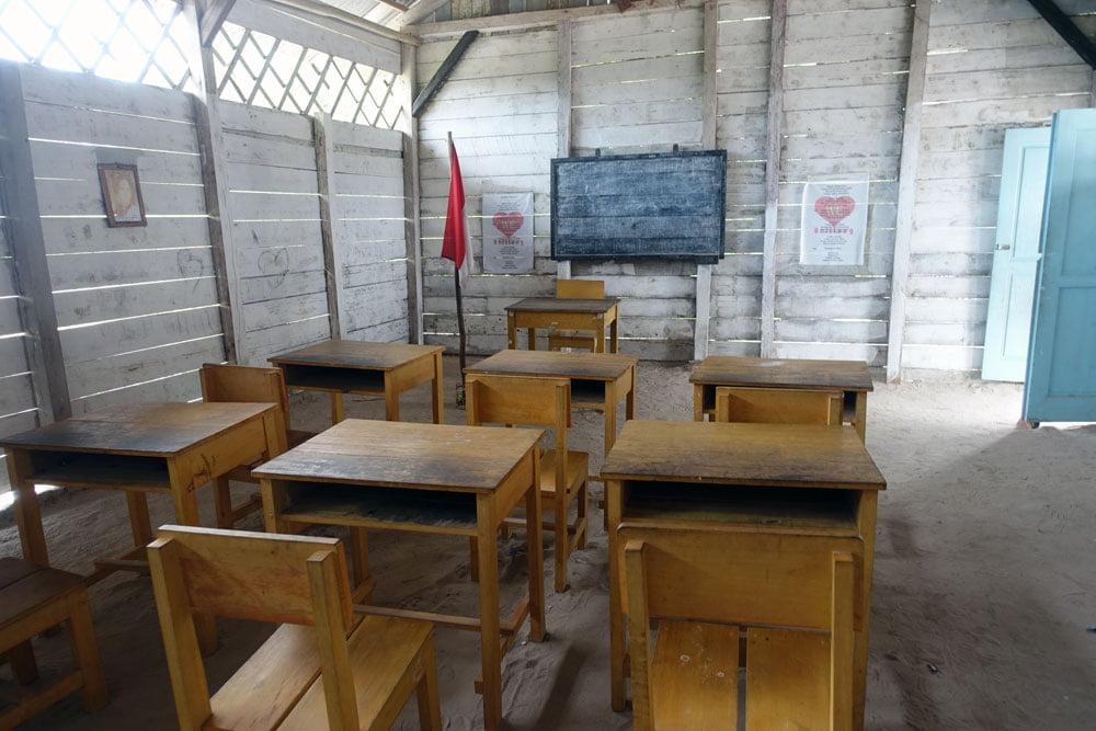 Belitung Laskar Pelangi School Classroom