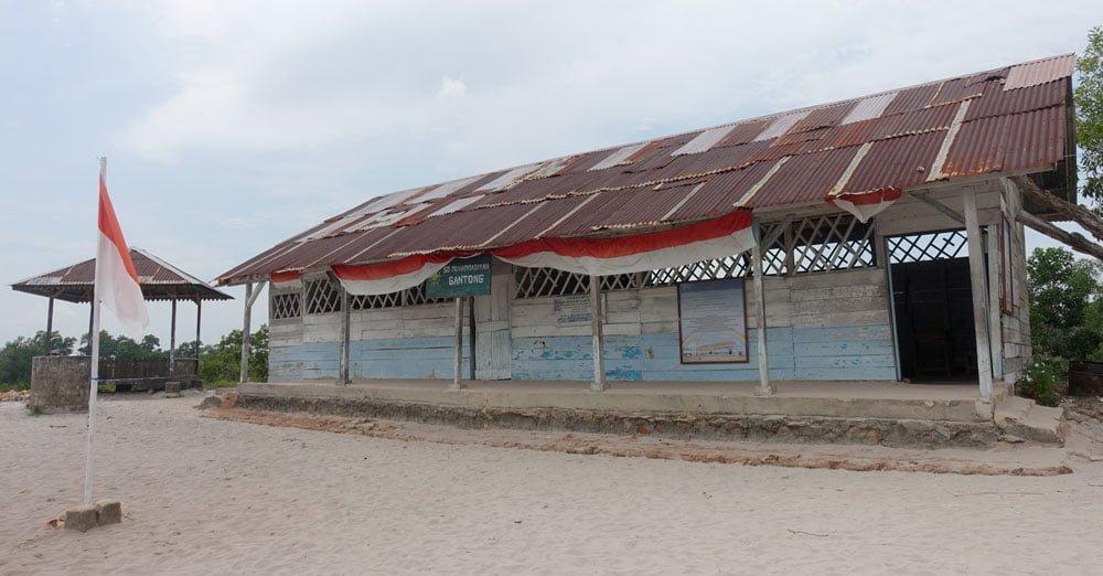 Belitung Laskar Pelangi School Exterior