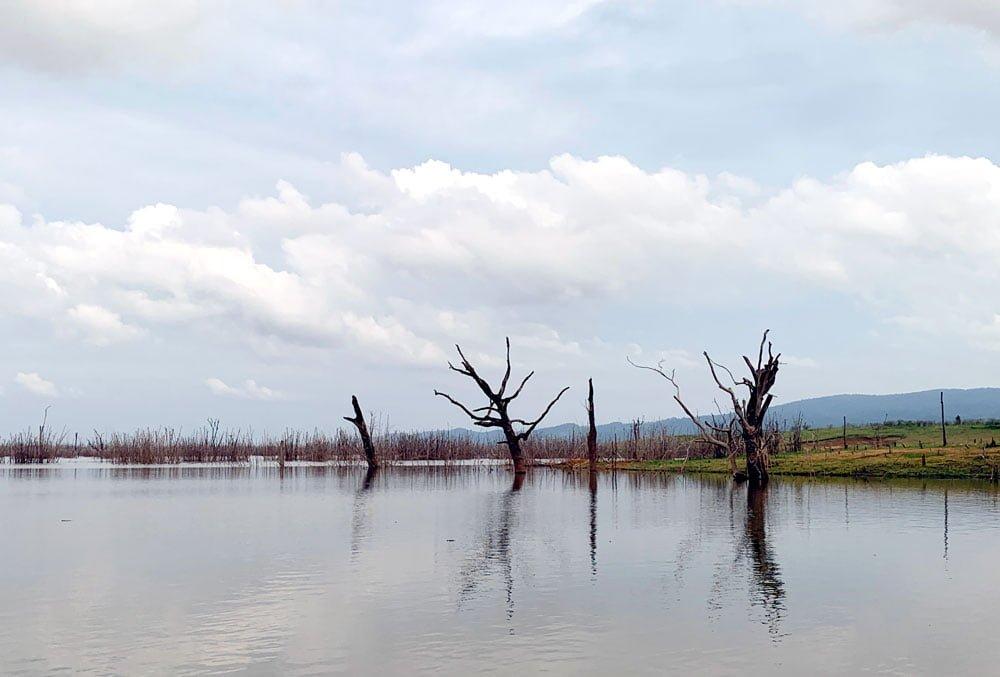 Laos Phosy Thalang Lake