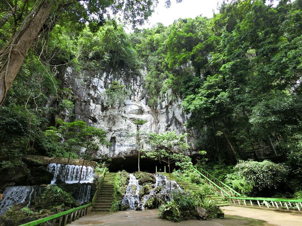 Laos Thakhek Nang Aen Cave Exterior