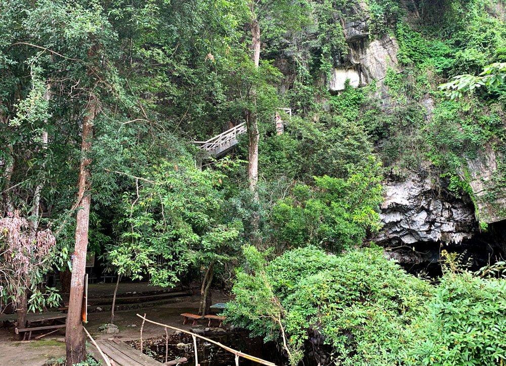 Laos Thakhek Tham Pa Fa Buddha Cave Stairs 1