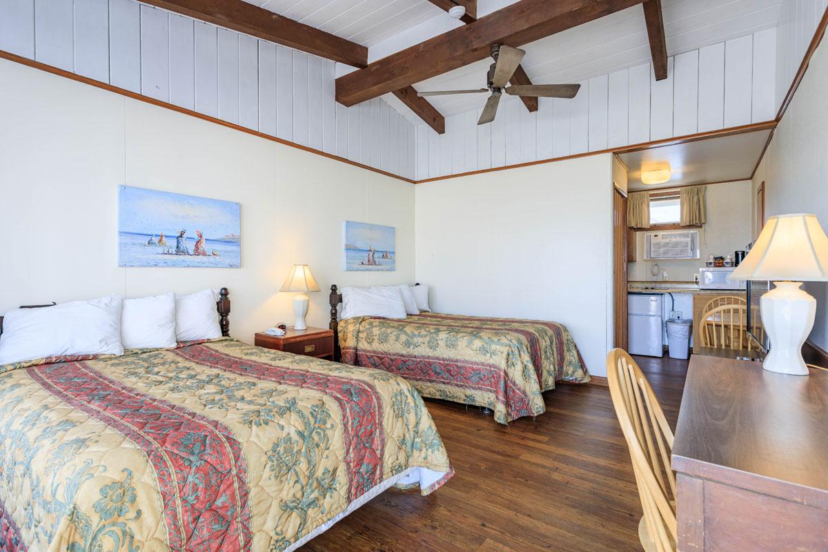 Ocean House Motel Ocean Poolside Room
