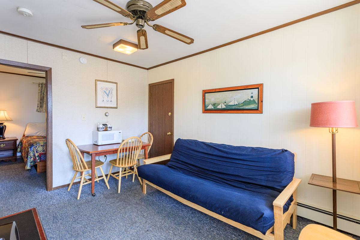 2 Bedroom Suite w/ Living Area