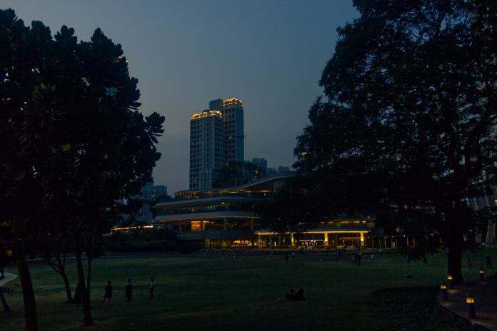A view of NUS Utown at evening hours.