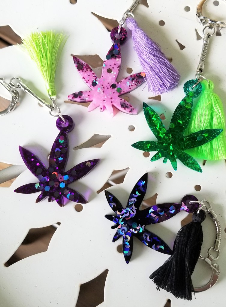 resin marijuana leaf keychains