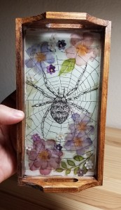 wooden spider tray with resin