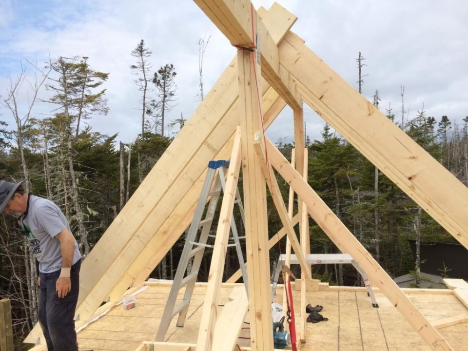 The-Off-Grid-Cabin-Roof-Rafter-Ratchets