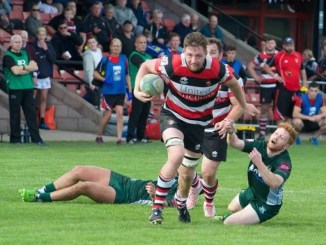 Stirling County number eight Ruairidh Leishman on the hoof