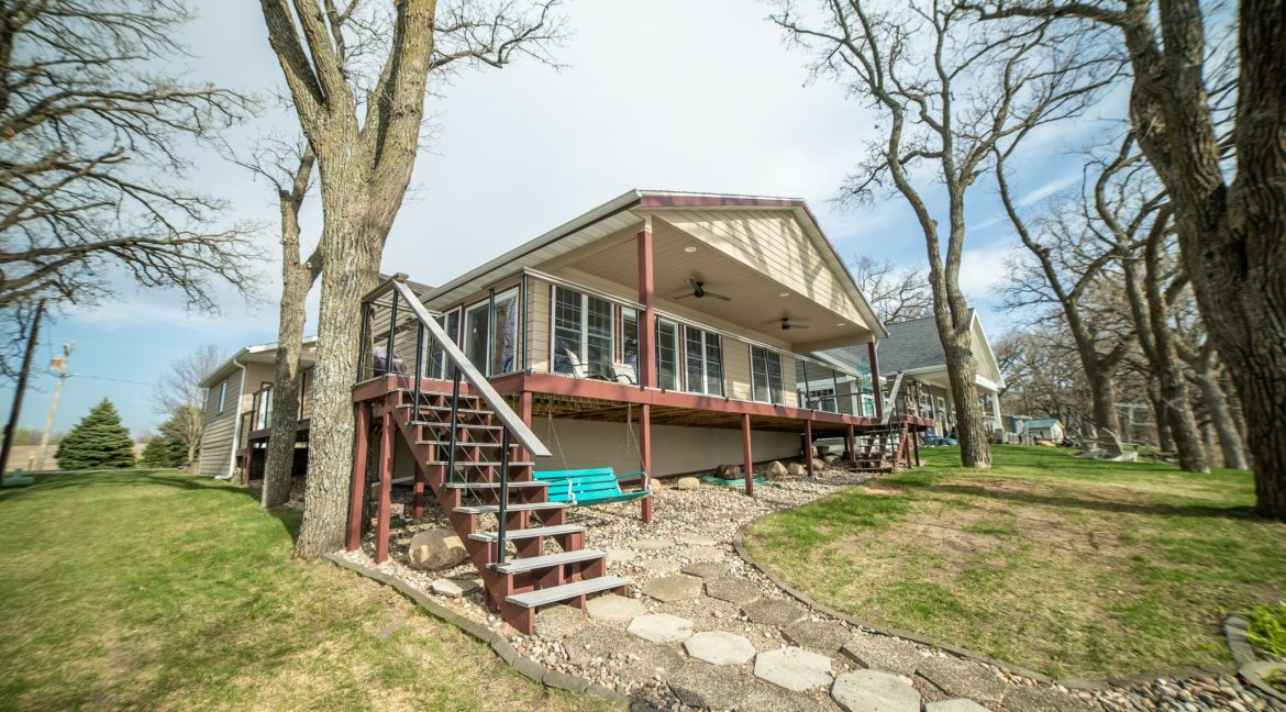 516 252ND AVE-0082