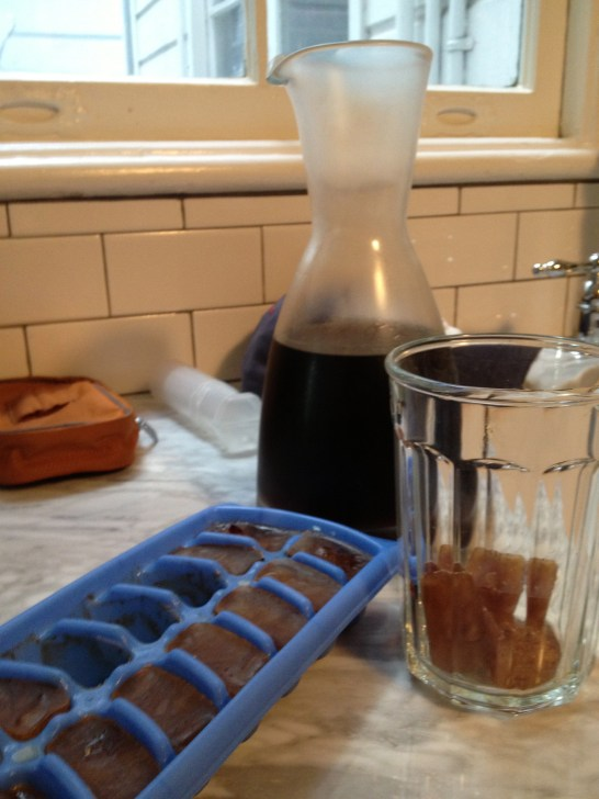 Coffee's been chilled for a few hours / 3 coffee ice cubes in the glass