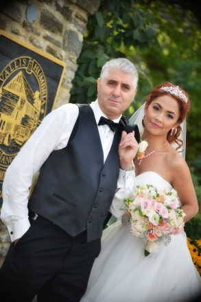 381 Vivien & Tony