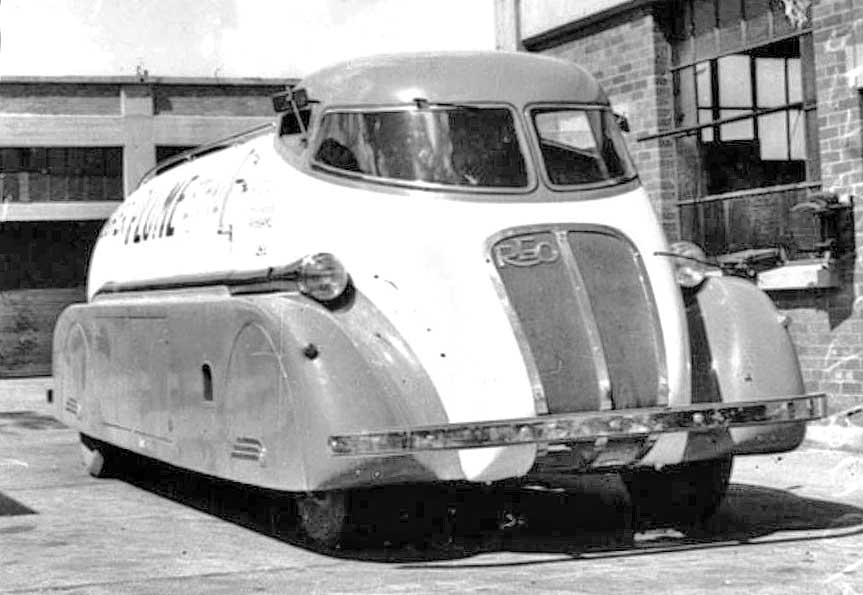 The Remarkable Streamlined Reo Speed Tankers Owned By The Socony Vacuum Oil Company Of Australia Have Been The Subject Of Research By Others For Some Time