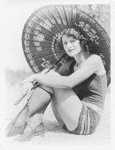 Sunbathing in the 1920s - Sunbathing was an absolute new activity of the 1920s. Although the benefits of sunlight was discovered at the end of the 1800s, only in the 1920s, when doing sports became popular, getting a tan became fashionable