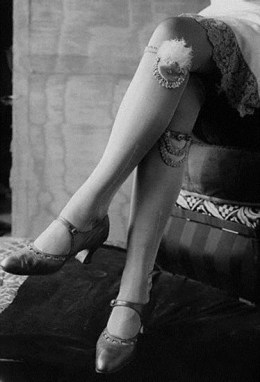 Nana Garter (1920s) - Garters were still quite common in the 1920s and used for fashion purposes