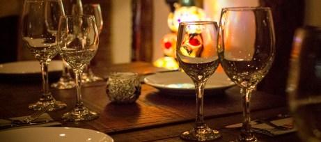 Wine glasses with Turkish lights