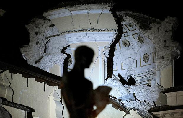 earthquake-shadow_1380931i
