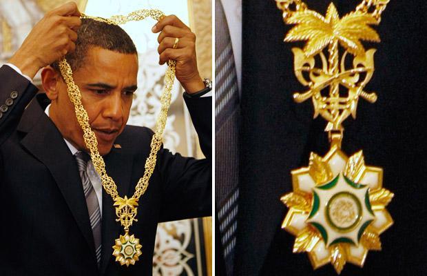 obama-necklace_1416804i