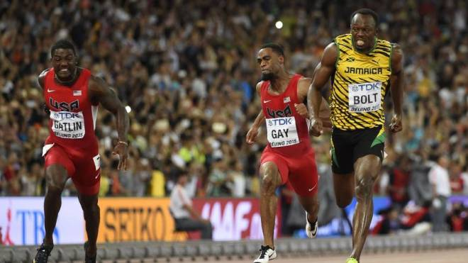 Usain Bolt wins 100 meters in Beijing