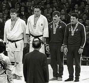 Doug_Rogers,_Isao_Inokuma,_Parnaoz_Chikviladze,_Anzor_Kiknadze_1964