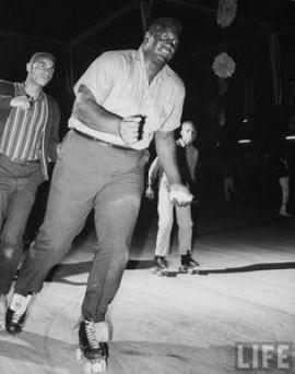 buster-mathis-on-roller-skates